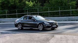 Mercedes C63 AMG autóvezetés KakucsRing 6 kör