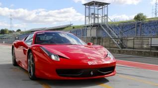 Ferrari 458 Italia 570 LE autóvezetés DRX Ring 10 kör