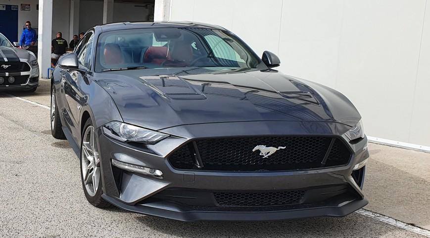Ford Mustang GT közúti autóvezetés-17 km