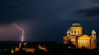 Rejtélyek városa - Esztergom városában 4 fő