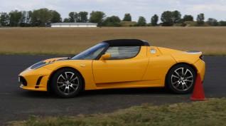 Tesla Roadster elektromos autóvezetés DRX Ring 2 kör