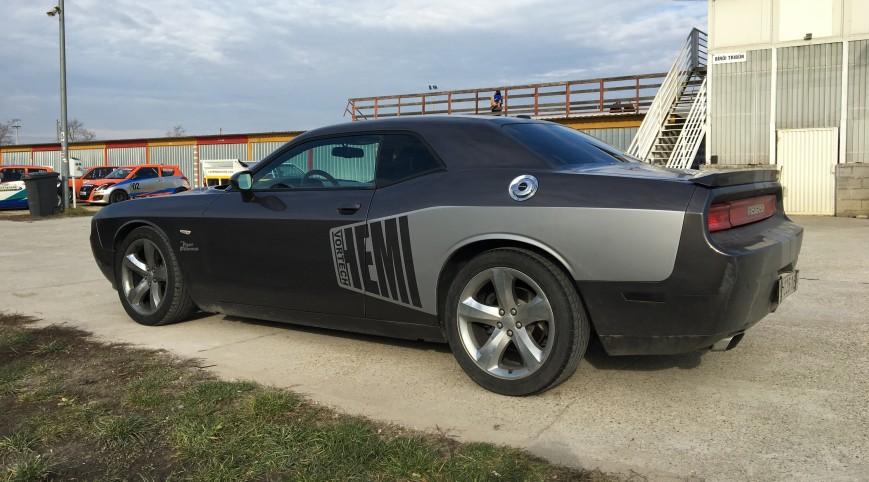 Dodge Challenger 450 LE autóvezetés Vin Diesel csomag 10+2 kör
