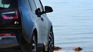 BMW i3 élményvezetés a Balatonnál 30 perc