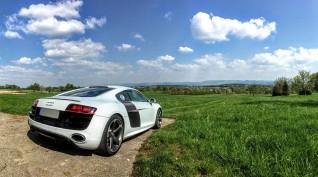 Audi R8 V8 420 LE autóvezetés KakucsRing 10 kör