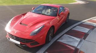 Ferrari F12 Berlinetta autóvezetés KakucsRing 12 kör