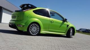 Ford Focus RS 350 LE autóvezetés KakucsRing 4 kör
