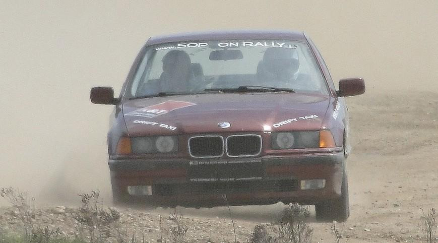 BMW E36 325i Rally Versenyautó Vezetés Rallykrossz Pályán 14 km