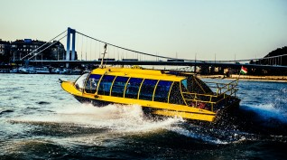50 perces téli élményhajózás DunaTaxival