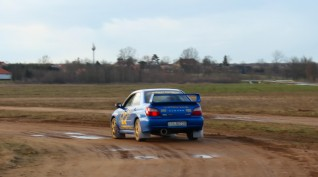 Subaru Impreza STI Versenyautó Vezetés Rallykrossz Pályán 5 km