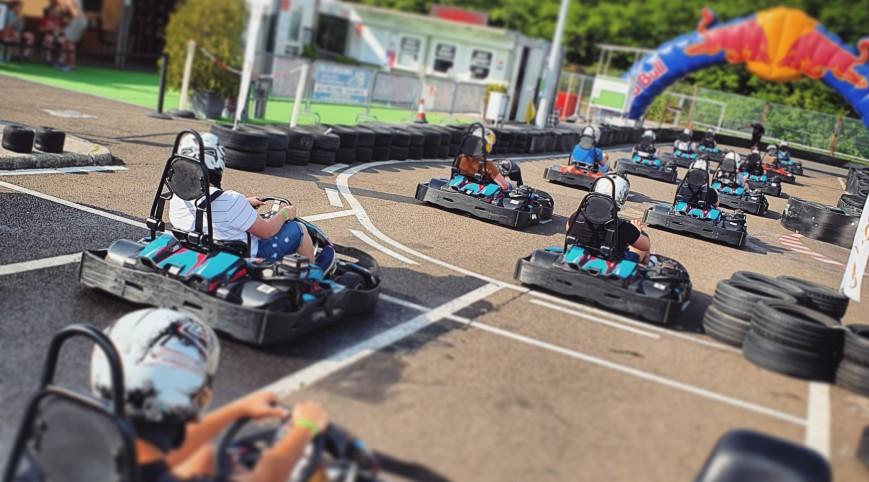 Gokart mini bajnokság a Hungaroring gokartpályáján 10 fő