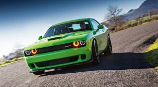 Dodge Challenger HULK V8 450 LE autóvezetés KakucsRing 5 kör