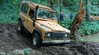 Land Rover Defender Off-Road Terepjáró Vezetés és Túra 2 óra