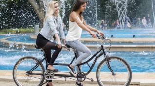 Retro Tandem Biciklivel Pároknak a Margit-szigeten 2 óra