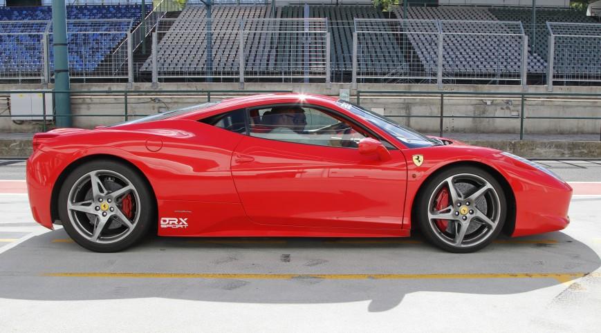 Ferrari 458 Italia 570 LE autóvezetés DRX Ring 2 kör+videó