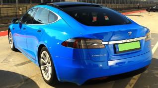 Tesla Model S P100D 772 LE élményvezetés KakucsRing 12 kör