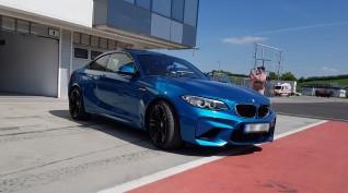BMW M2 410 LE autóvezetés Euroring 2 kör