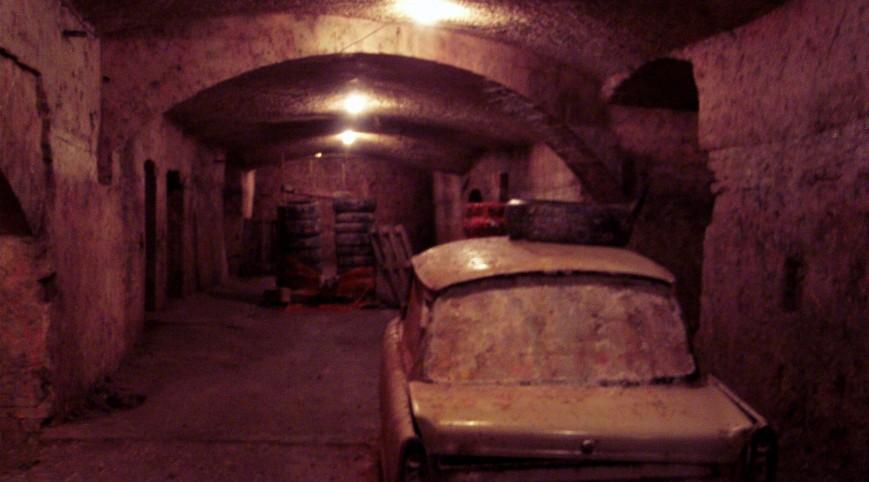 Barlang paintball Budapesten, labirintusszerű pályán 200 golyóval