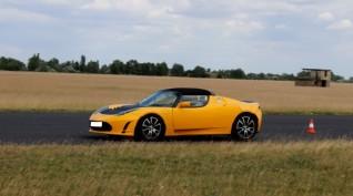 Tesla Roadster elektromos autóvezetés DRX Ring 6 kör