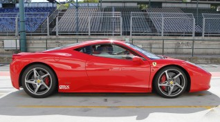 Ferrari 458 Italia 570 LE autóvezetés Hungaroring 6 kör