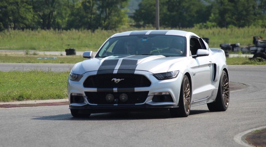 Ford Mustang GT Eleanor élményvezetés KakucsRing 3 kör