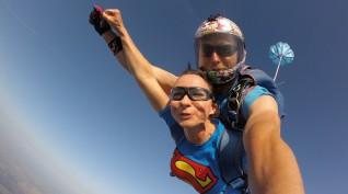 Tandemugrás 4000 méterről, kézikamerával, Székesfehérvár mellett