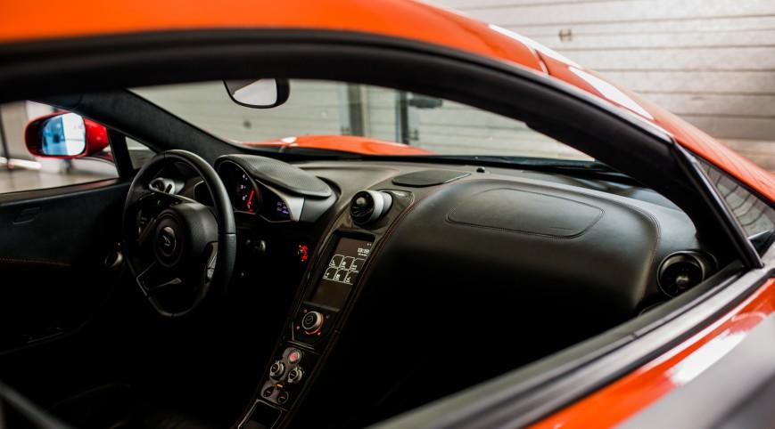 McLaren MP4-12C 625 LE élményvezetés Euroring 3 kör+videó