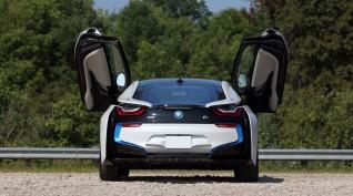 BMW i8 Plug-in hybrid vezetés KakucsRing 12+3 kör ajándék