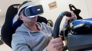 Virtuális Valóság versenyautó szimulátor vezetés 2-4 fő 2 óra
