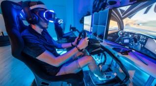 Virtuális Valóság versenyautó szimulátor vezetés 2-4 fő 1 óra