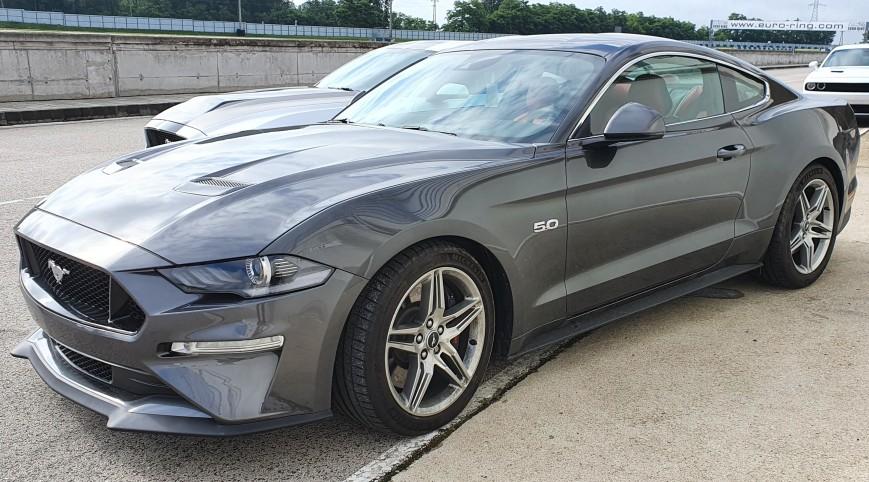 Ford Mustang GT élményvezetés KakucsRing 8 kör