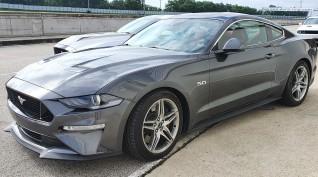 Ford Mustang GT autóvezetés KakucsRing 8 kör