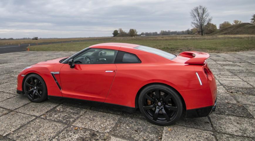 Nissan GT-R R35 650 LE élményvezetés DRX Ring 8 kör+videó