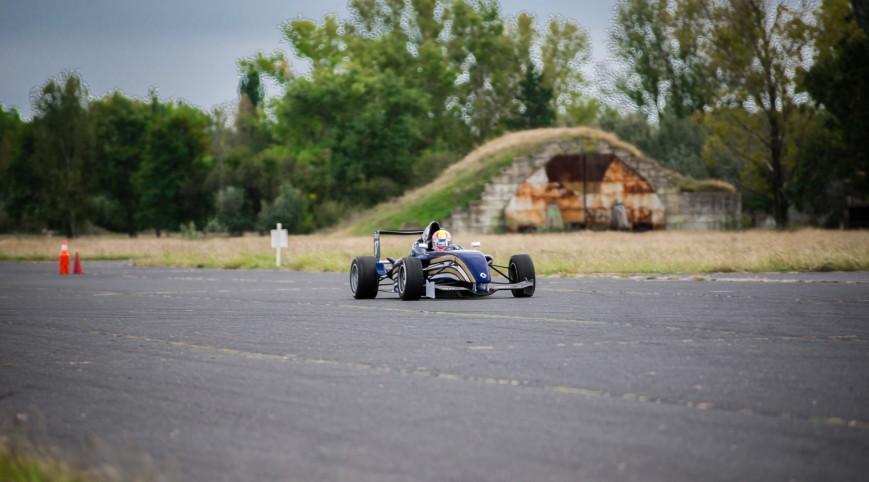 Formula Renault versenyautó vezetés DRX Ring 3 kör+videó