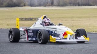 BMW Forma versenyautó vezetés DRX Ring 6 kör