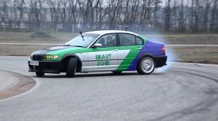 BMW E46 330i Sedan autóvezetés és drift taxi KakucsRing 3 kör