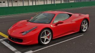 Ferrari 458 Italia élményvezetés KakucsRing 12 kör