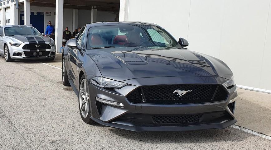 Ford Mustang GT élményvezetés Hungaroring 4 kör