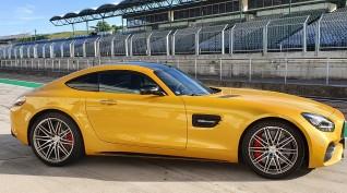 Mercedes-AMG GT C Coupé autóvezetés KakucsRing 3 kör