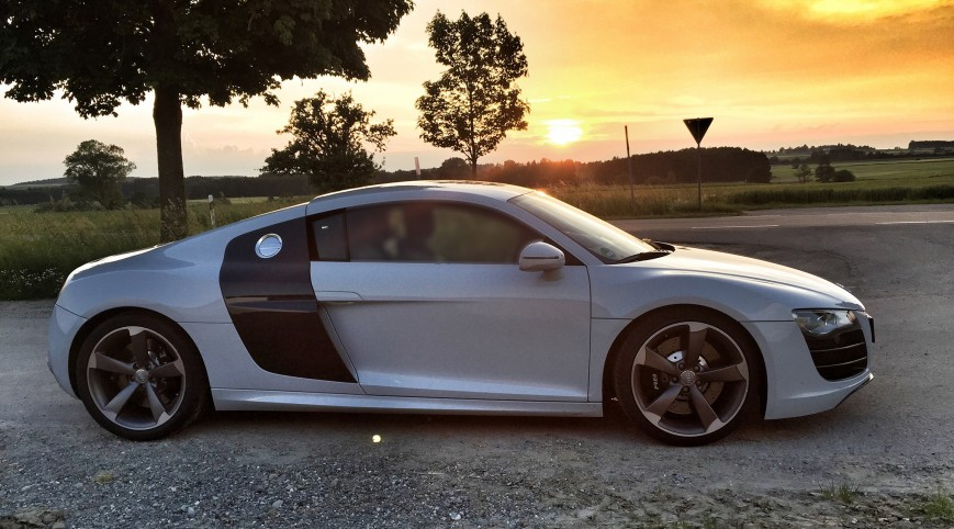 Audi R8 V8 420 LE közúti élményvezetés 50 km