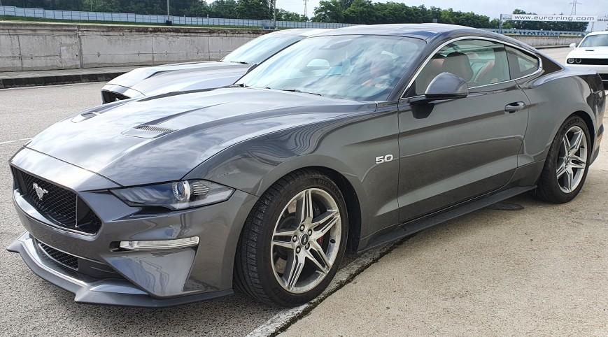 Ford Mustang GT élményvezetés KakucsRing 12 kör