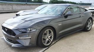 Ford Mustang GT autóvezetés KakucsRing 12 kör