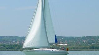 4 órás szabad vitorlázás a Balatonon kapitánnyal 1-9 fő