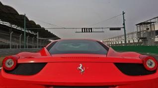 Ferrari 458 Italia autóvezetés KakucsRing 6 kör