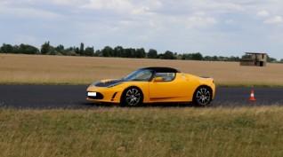 Tesla Roadster elektromos autóvezetés Hungaroring 2 kör