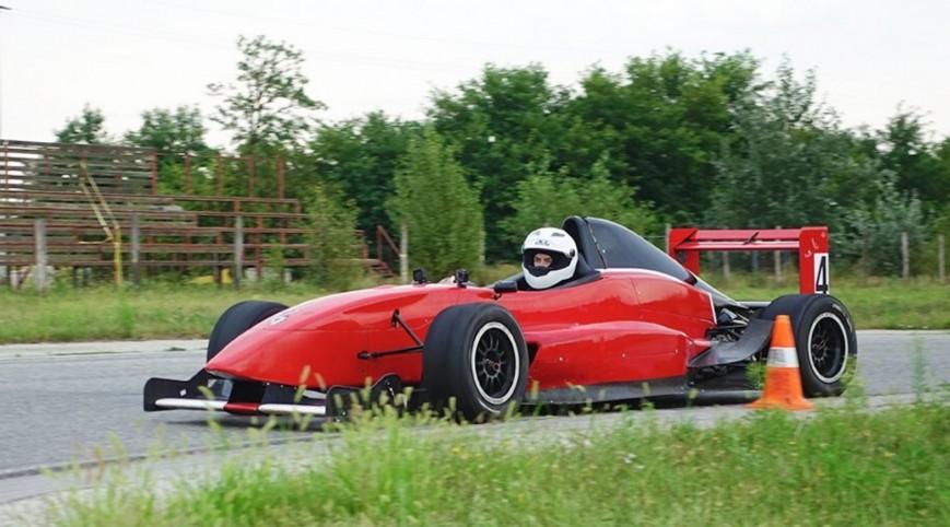 Formula Renault élményvezetés KakucsRing 5 kör