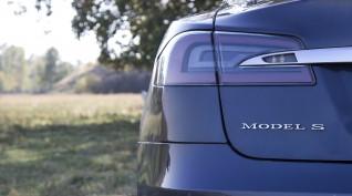 Tesla Model S 85 D autóvezetés DRX Ring 6 kör