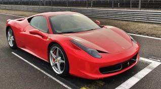 Ferrari 458 Italia élményvezetés Euroring 4 kör