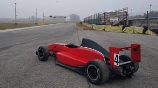 Formula Renault 2.0 autóvezetés Euroring 8 kör