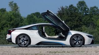 BMW i8 Plug-in hybrid vezetés KakucsRing 5 kör